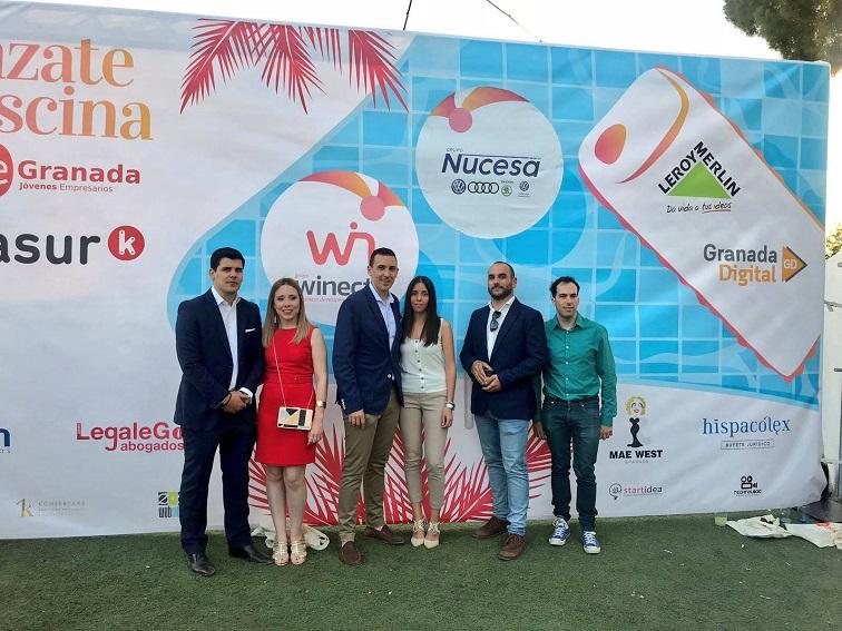 """Gala de Verano AJE: AJE Granada se """"lanzó a la piscina"""" con su nueva app"""